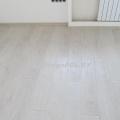 Ламинат Tarkett (Таркетт) Estetica Дуб Натур Белый фото в интерьере